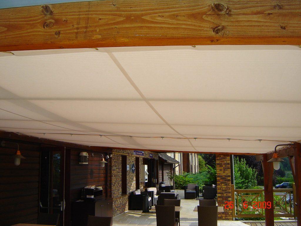 Desmazes-Fabrication de toiles tendues d'aménagement de terrasses publiques ou privées