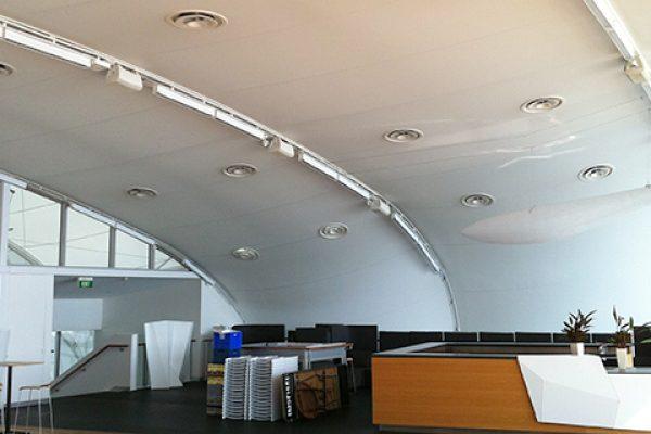 Desmazes- Réalisation de toiles tendues sur mur et plafond, membrane ©Serge Ferrari